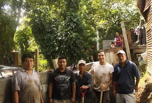 Volunteers on service trip in Nicaragua